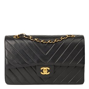 Chanel Black Chevron Quilted Lambskin Vintage Medium Classic Double Flap Bag