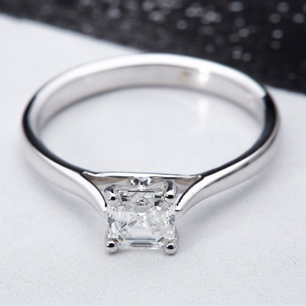 Mappin & Webb Platinum 0.75 cts G VS1 Asscher Diamond Ring Size O