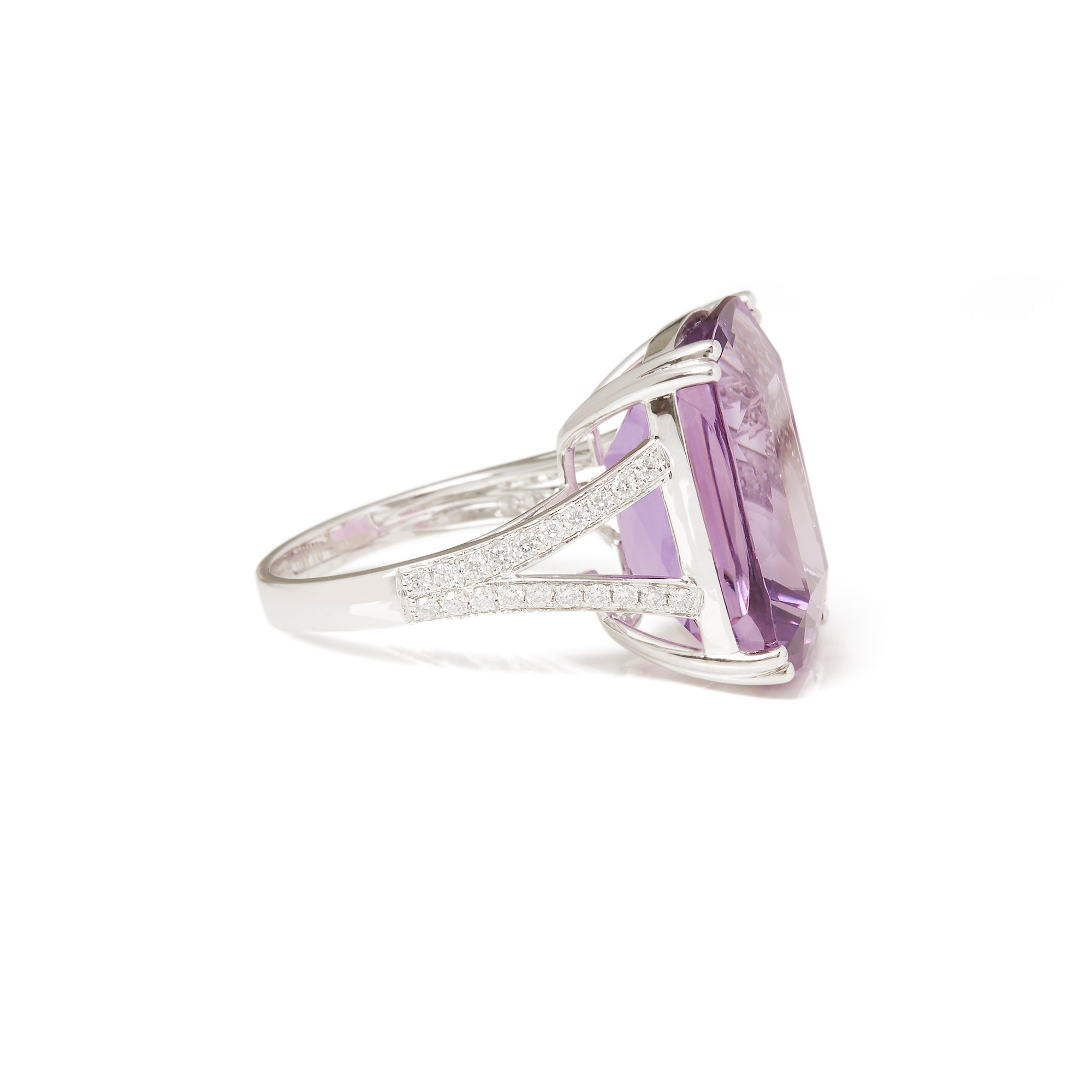 David Jerome Certified 17.23ct Amethyst and Diamond 18ct gold Ring