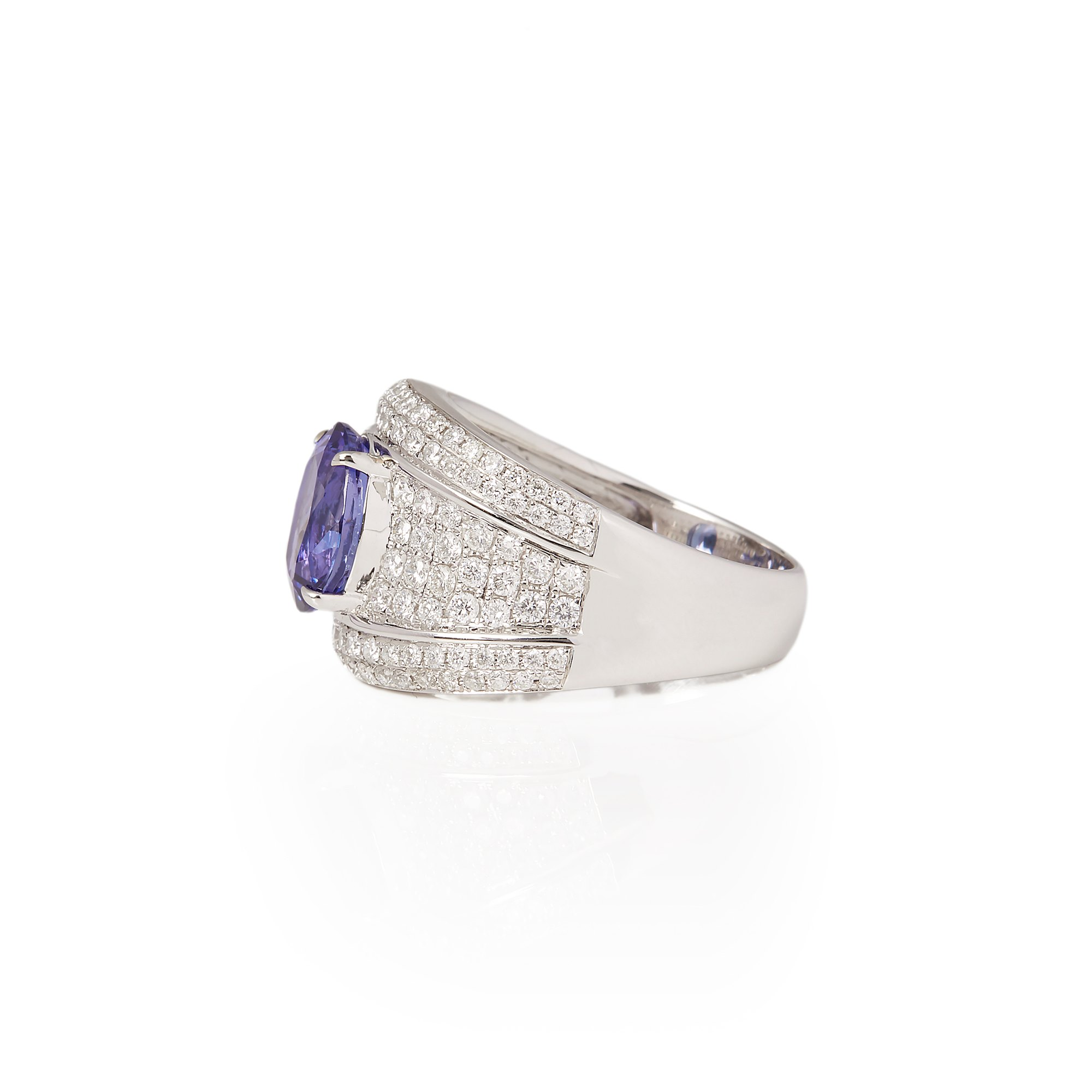 David Jerome Certified 2.87ct Oval Cut Tanzanite and Diamond 18ct gold Ring