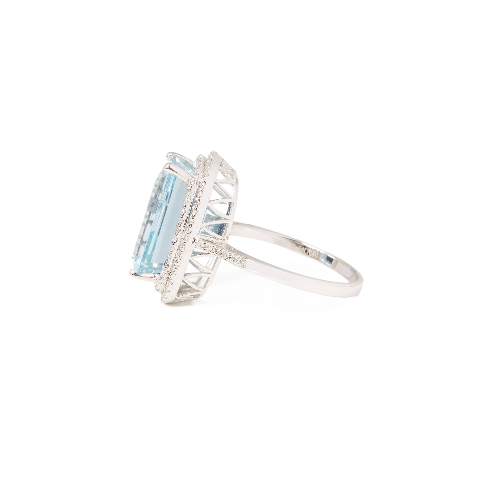 David Jerome Certified 7.92ct Octagonal Aquamarine and Diamond 18ct gold Ring
