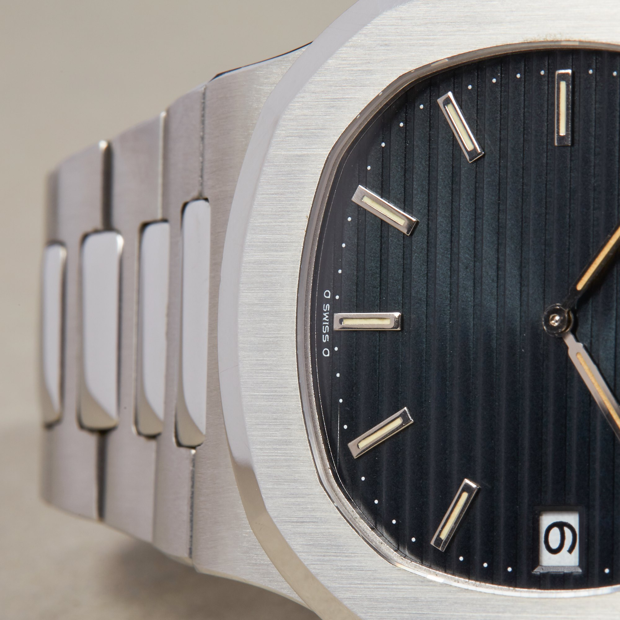 "Patek Philippe Nautilus Unpolished Rare ""II"" Serial Stainless Steel - 3700/11 Roestvrij Staal 3700/11"