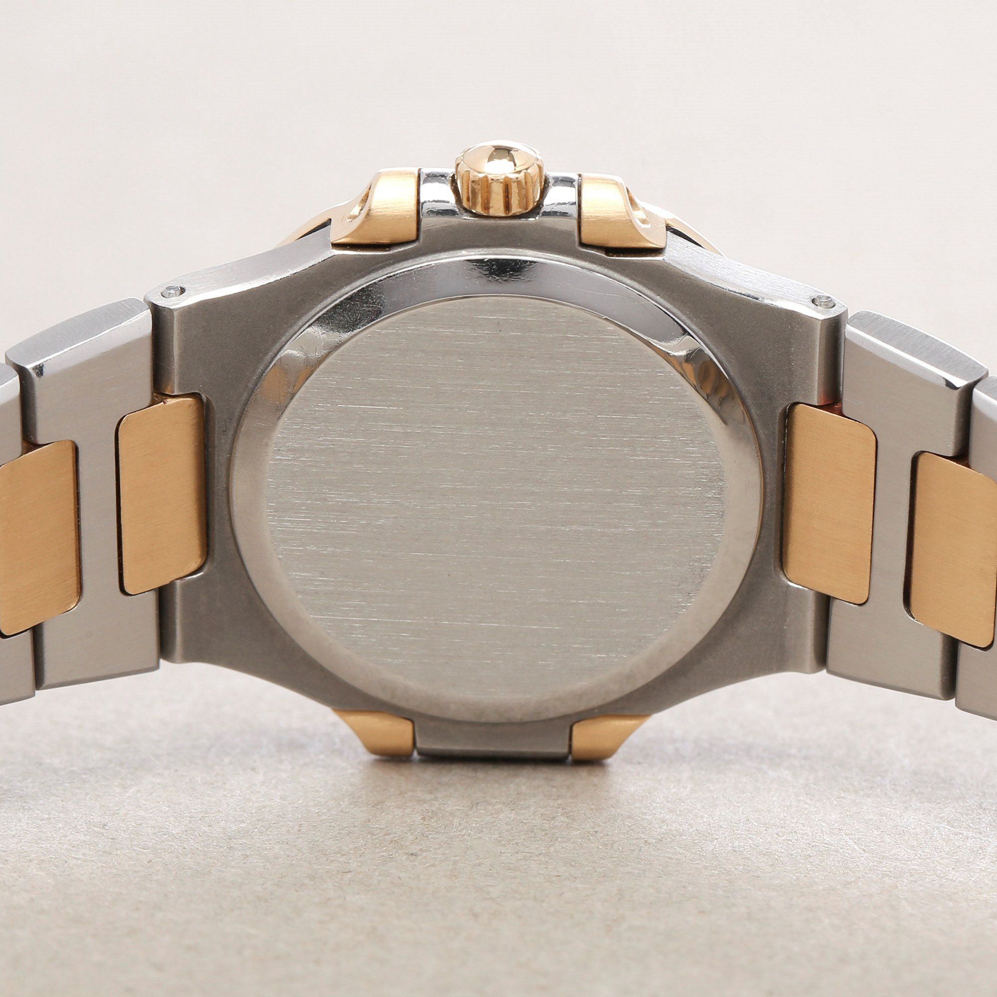 Patek Philippe Nautilus 18K Yellow Gold 4700/2