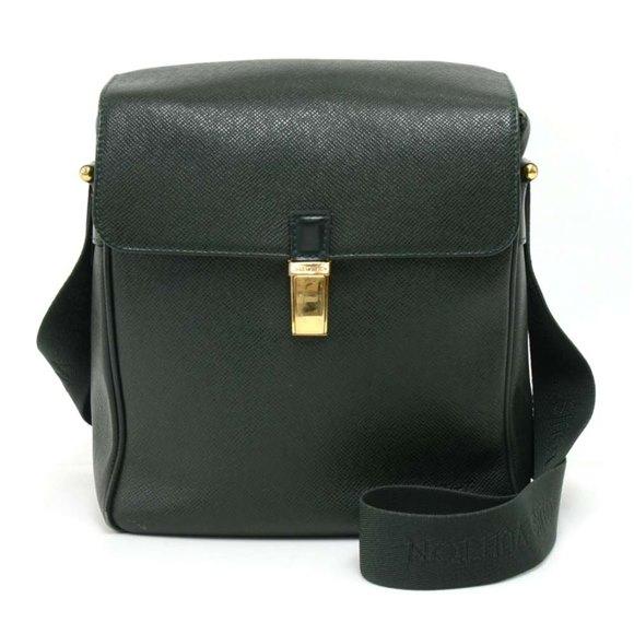 Louis Vuitton Green Taiga Leather Yaranga