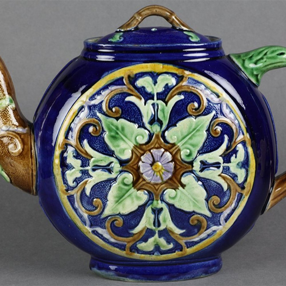 MAJOLICA FLORAL DESIGN TEAPOT Dates from the 19th century … 1870-80