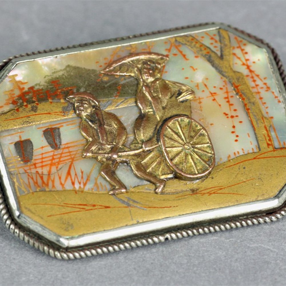 Superb Antique Japanese Mother Of Pearl Figural Scene Silver Mounted Brooch 19th C.