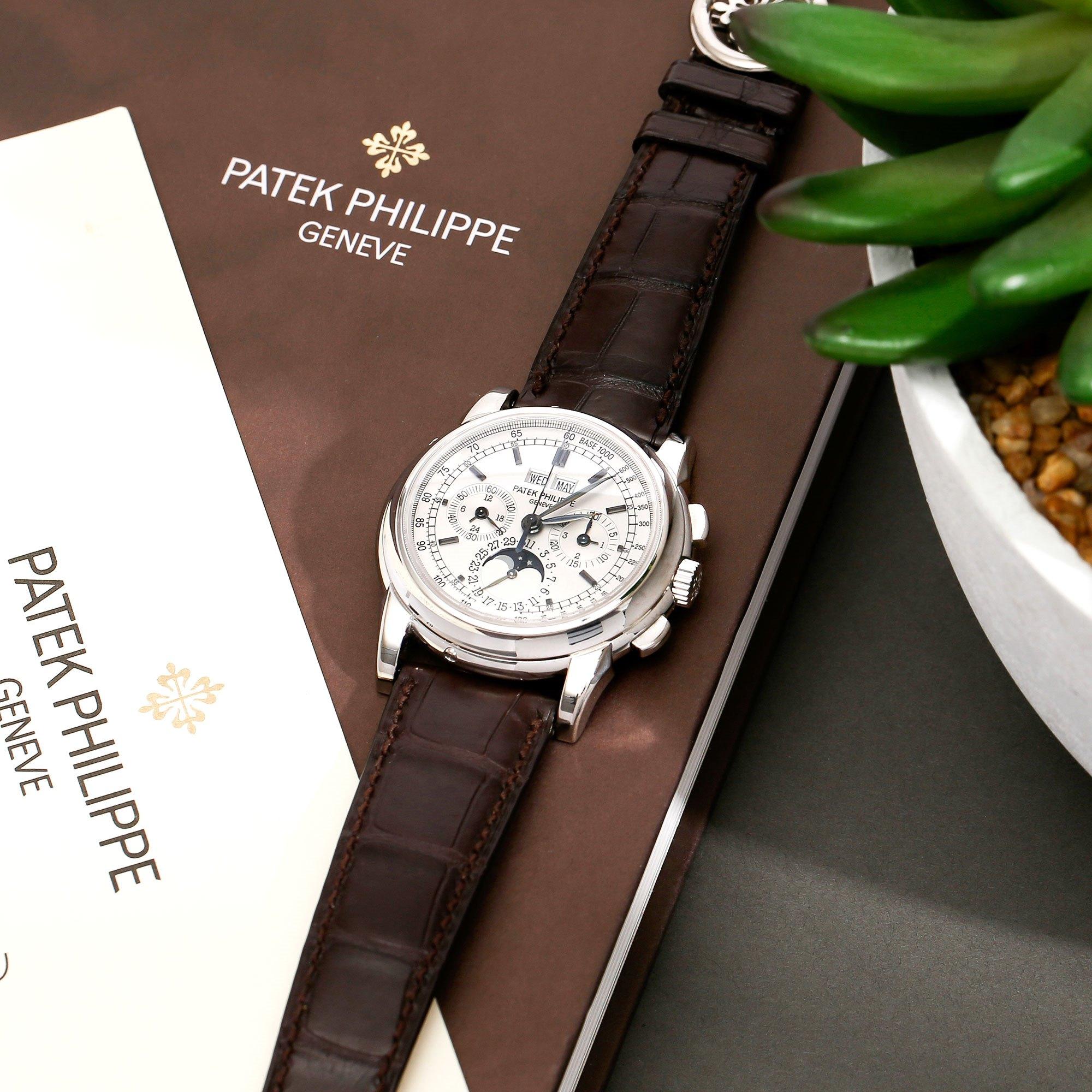 Patek Philippe Complications 18K Wit Goud 5970G-001