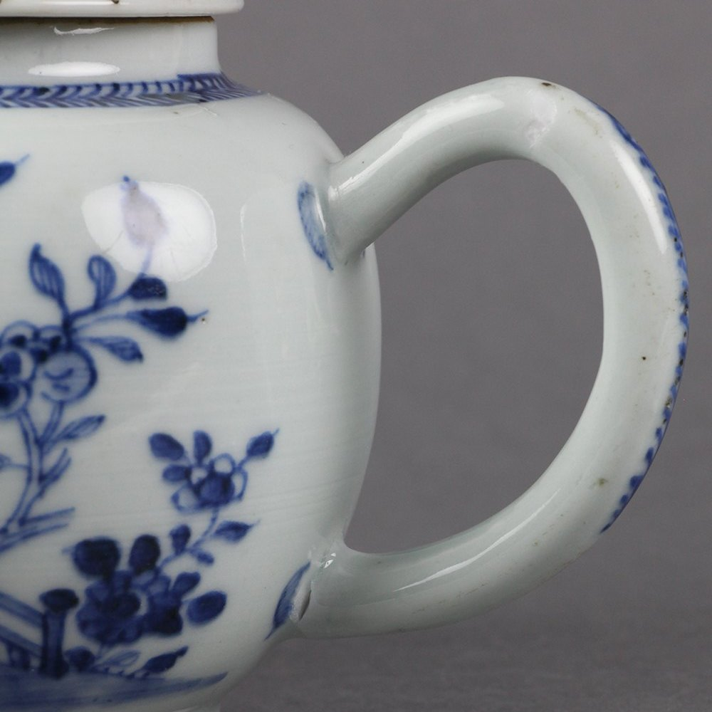 Chinese Blue & White Teapot Dates from the early to mid 18th Century