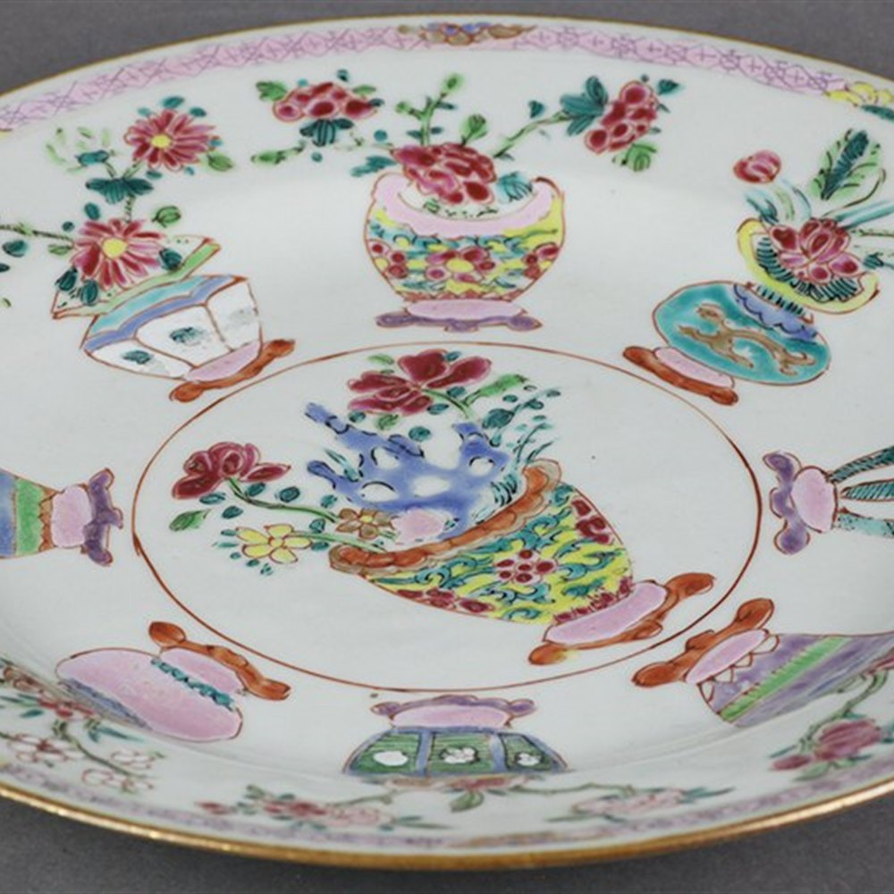 CHINESE POLYCHROME PLATE Dates from the 18th century
