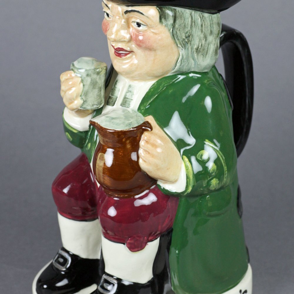ROYAL DOULTON TOBY JUG Dates from 1938-39