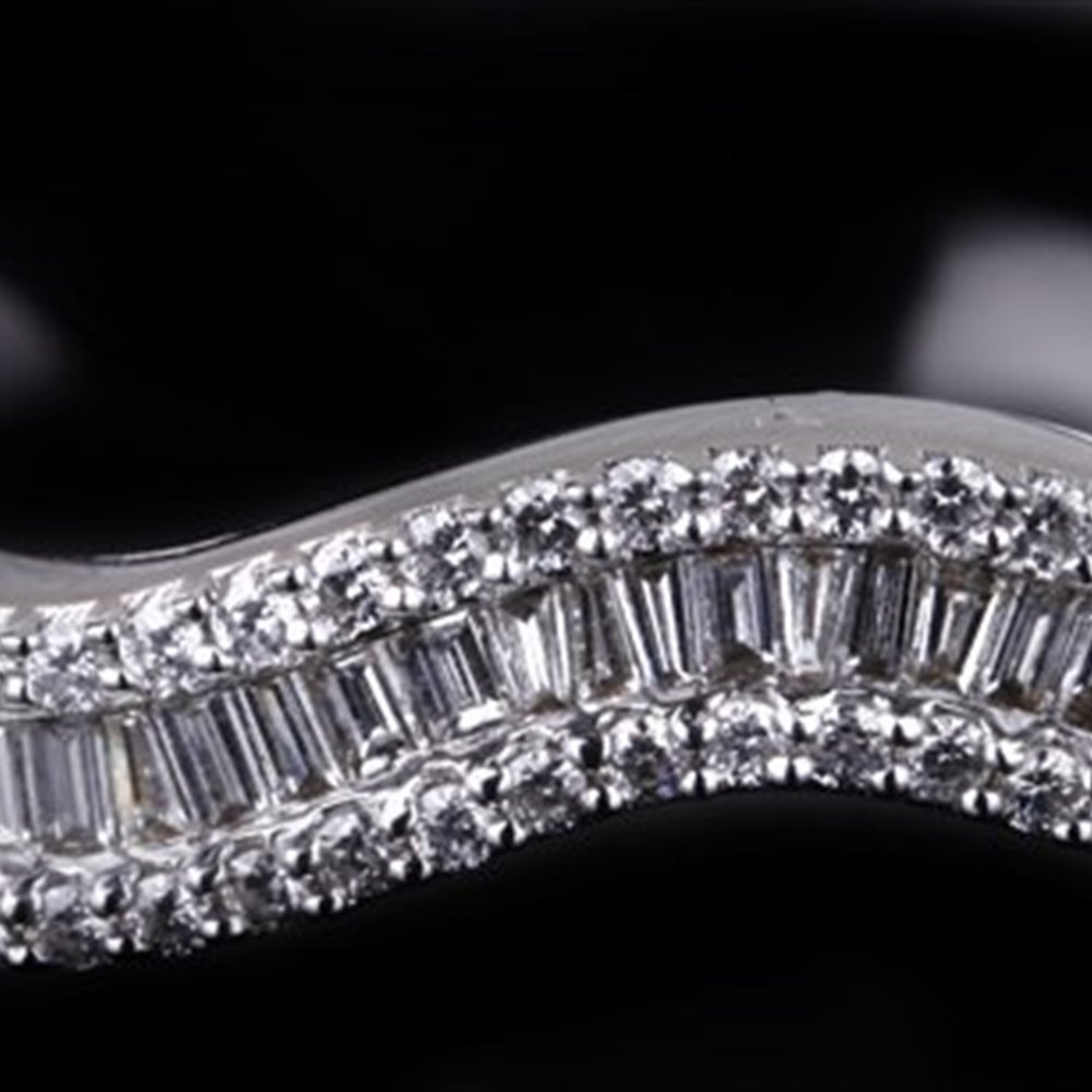 18K White Gold 18K White Gold Wave Diamond Bracelet