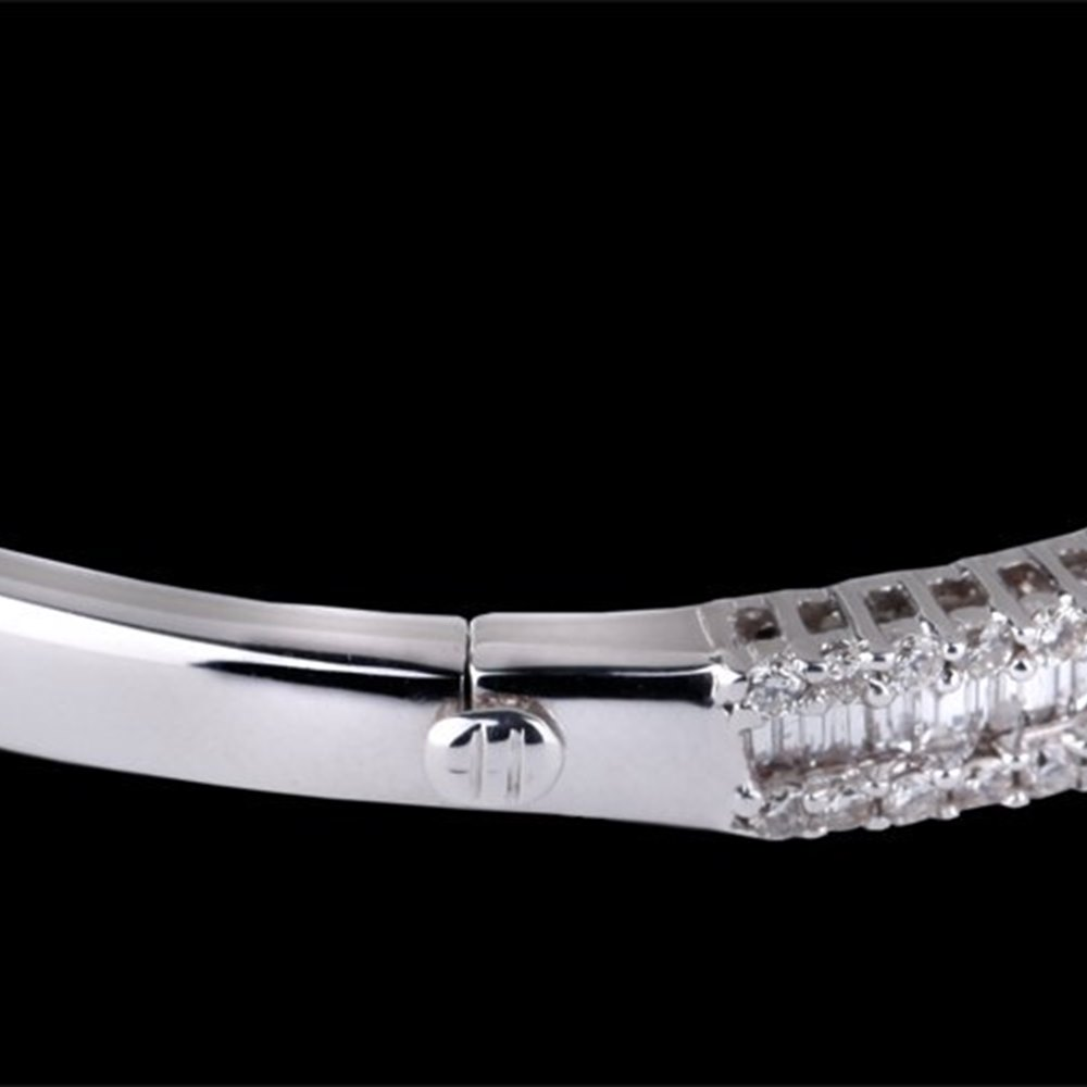 18K White Gold  18K White Gold Diamond Bracelet