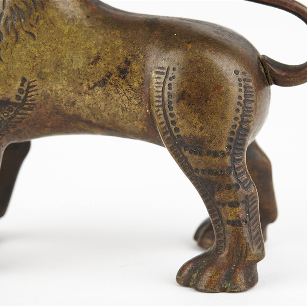 LION OIL LAMP 19TH C. Dates from the early 19th century