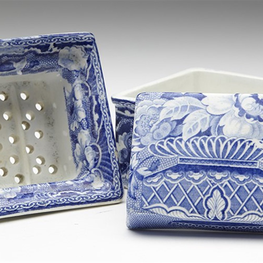 STAFFORDSHIRE SOAP DISH 19TH C. Dates from the early 19th Century