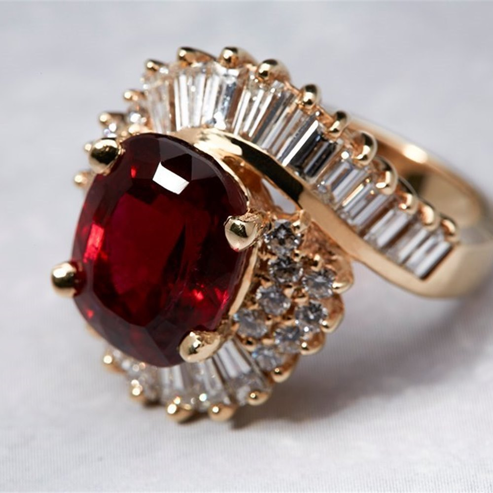 14K Yellow Gold 8.15 cts Rubellite Tourmaline & Diamond Ring