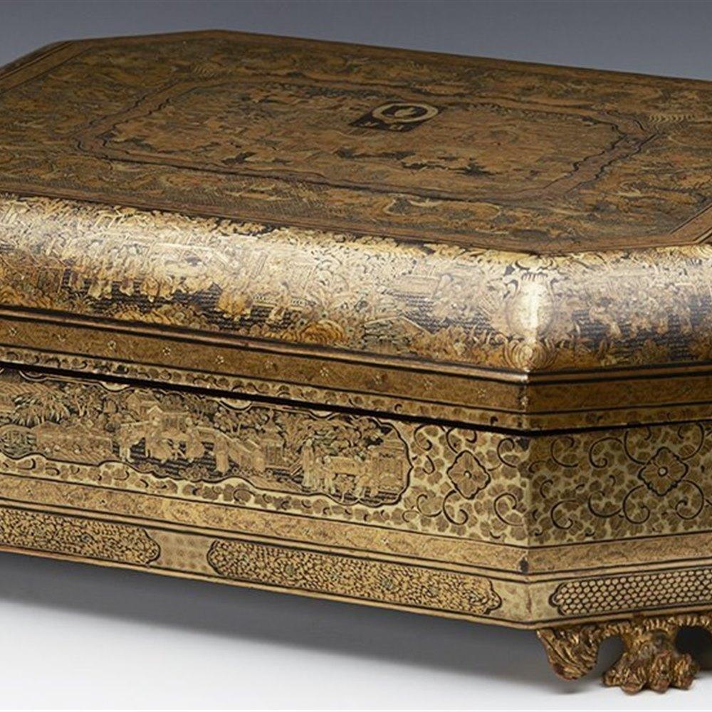 ARMORIAL LACQUER GAMES BOX Circa 1830