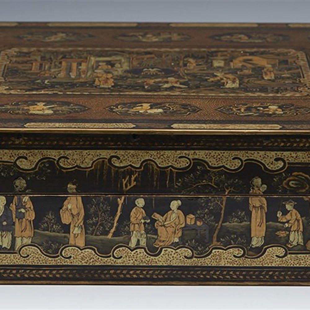ARMORIAL LACQUER GAMES BOX Circa 1840