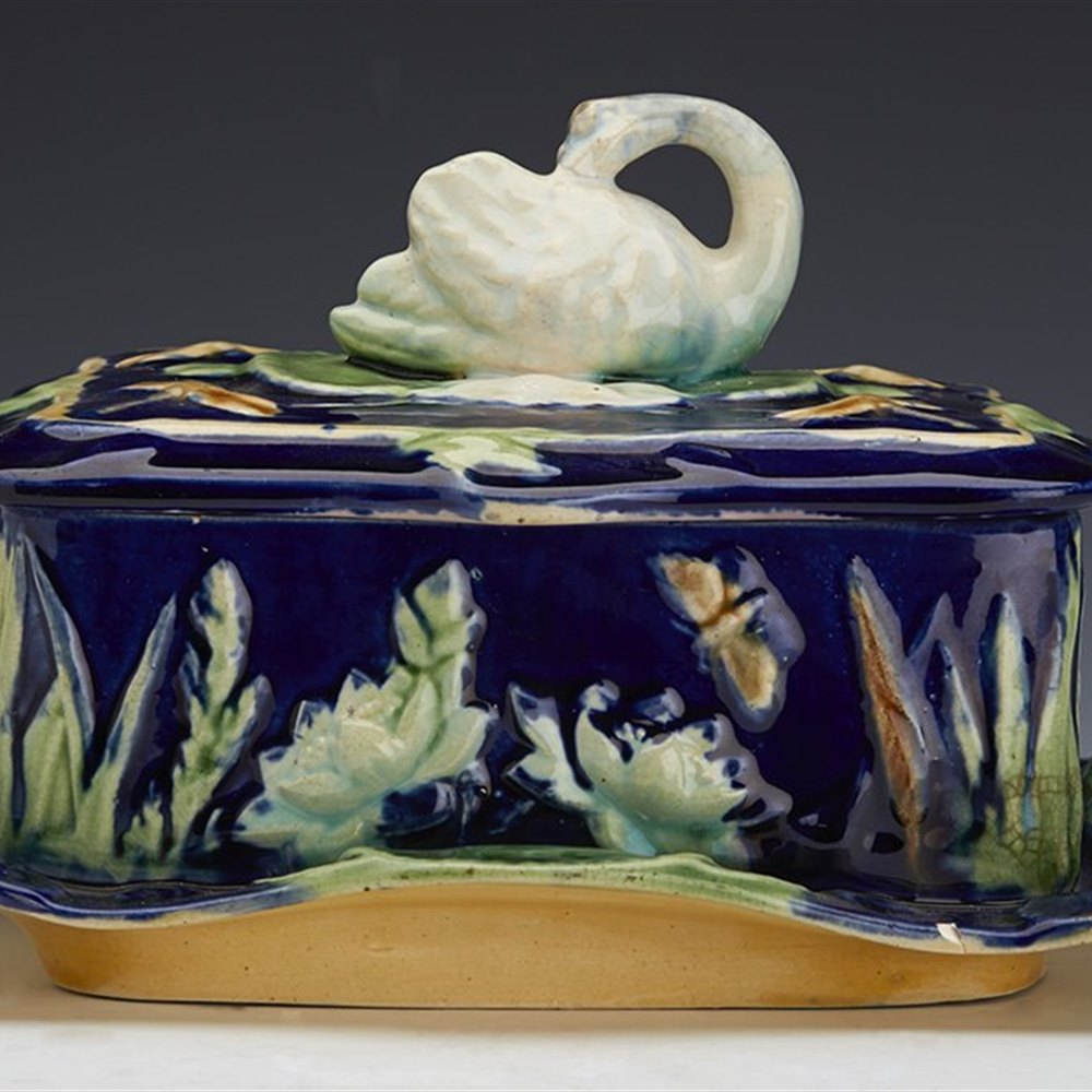 ENGLISH MAJOLICA SARDINE DISH Circa 1865