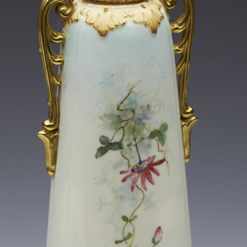 Elegant Antique Worcester Locke & Co Blush Twin Handled Vase With Parrot 19th C.