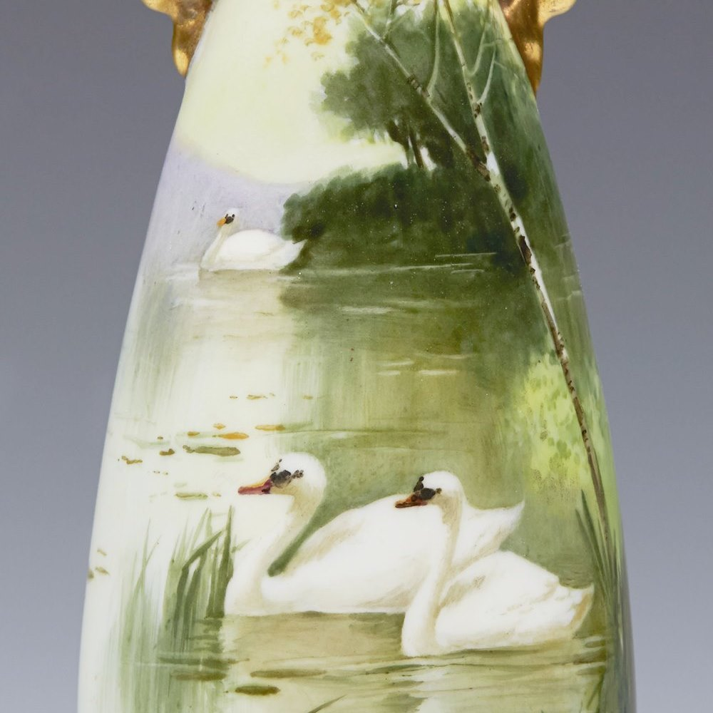 ANTIQUE ROYAL DOULTON SWAN VASE SIGNED C.1902 Circa 1902