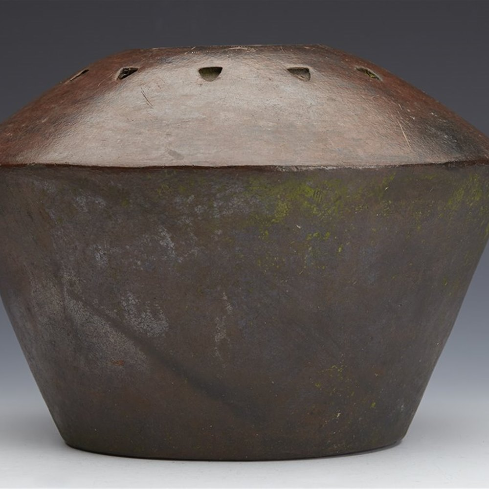 VINTAGE AFRICAN STONEWARE POT Believed early to mid 20th century