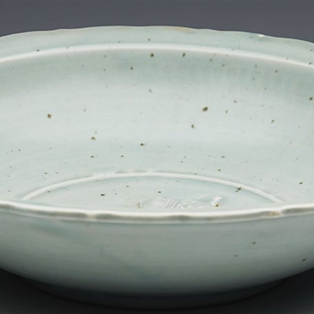 Stunning Antique Chinese Song/Yuan Style Celadon Glazed Bowl With Fish