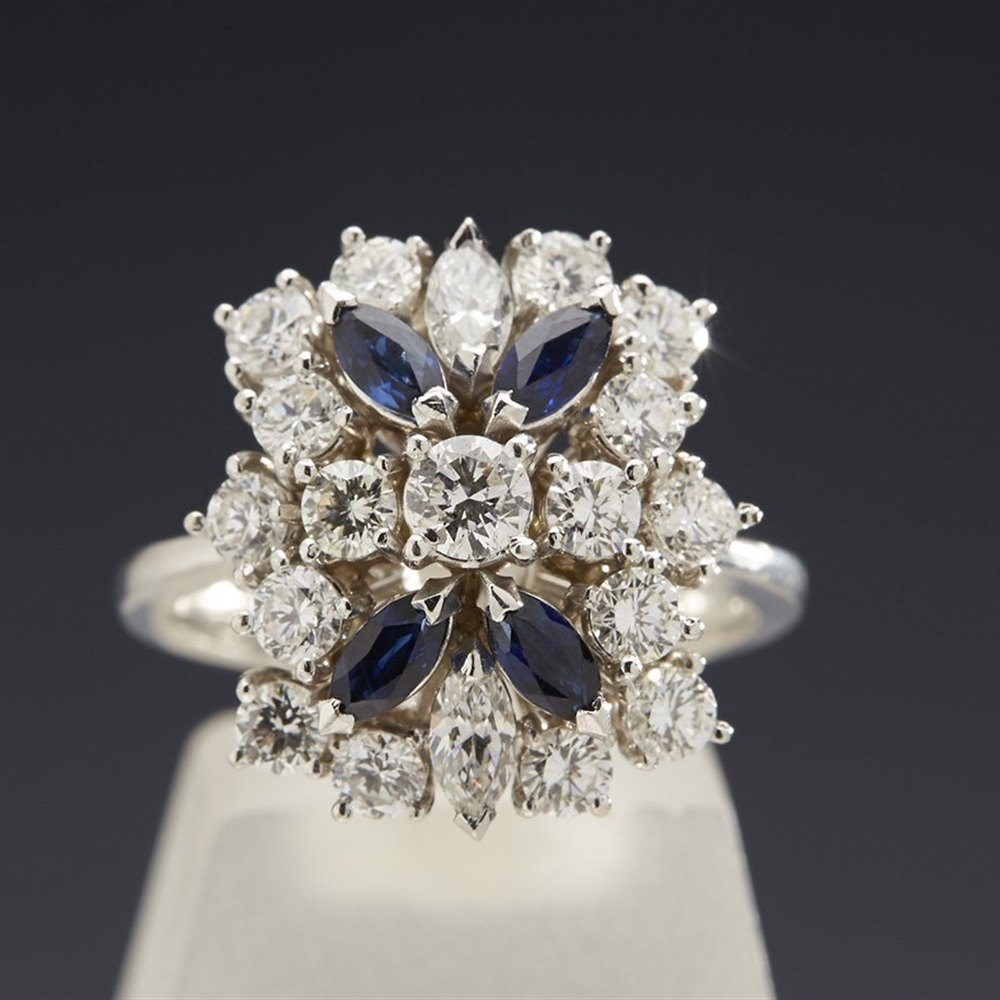 18K White Gold  Stunning 18K White Gold 1.40cts Diamond and Sapphire Ring