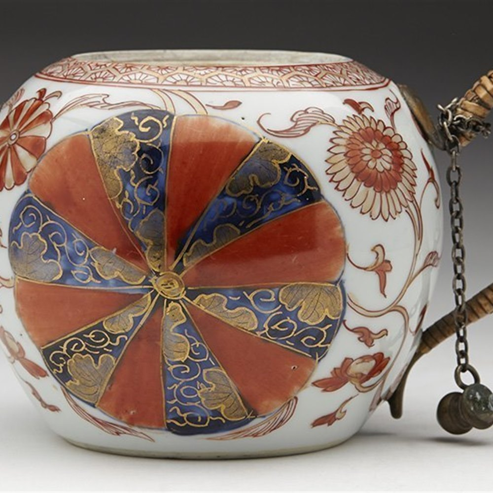 Unusual Antique Chinese Kangxi Teapot With Painted Wheel Designs Early 18th C.
