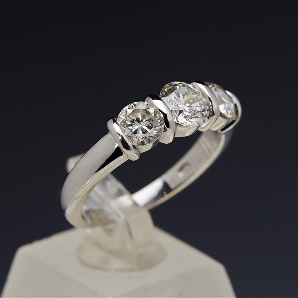 Platinum Platinum 1.29cts VS1 H 3 Stone Diamond Ring