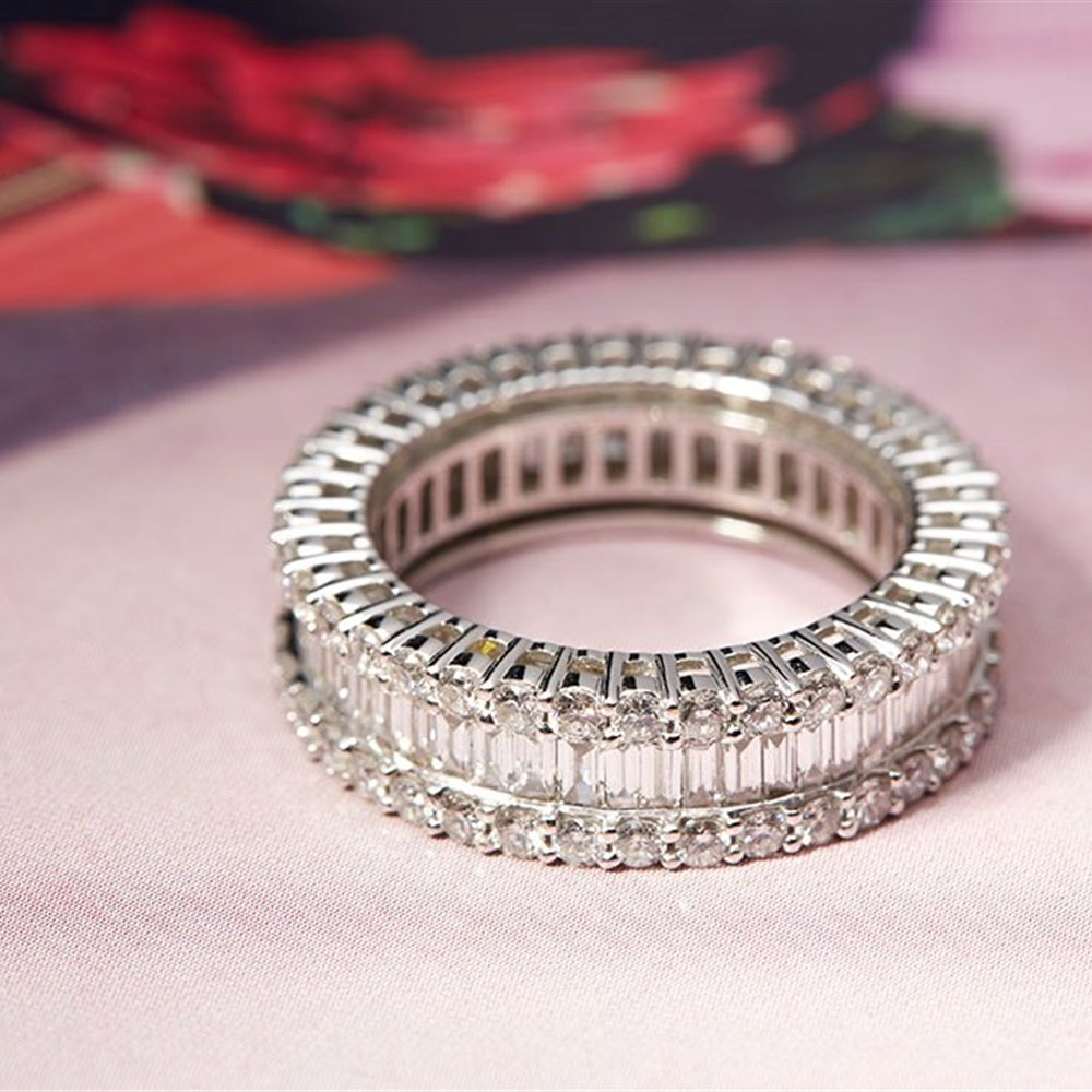18k White Gold 18K White Gold 3.00cts G VS/SI Baguette & Brilliant Cut Diamond Eternity Ring