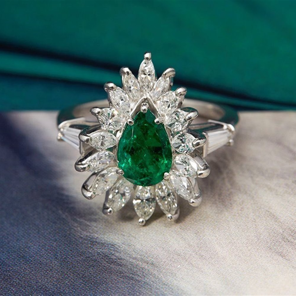 Vintage Platinum 1.00ct Colombian Emerald & 1.84ct Diamond Ring