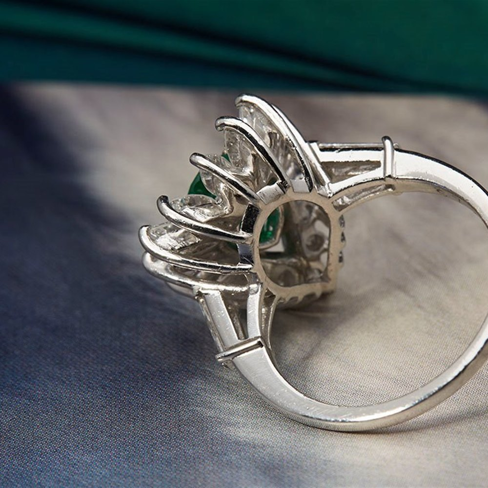 18k White Gold Vintage Platinum 1.00ct Colombian Emerald & 1.84ct Diamond Ring