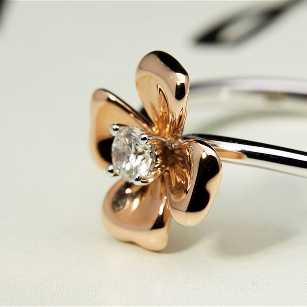 Mappin & Webb 18k White & Rose Gold 0.15ct Diamond Flower Ring