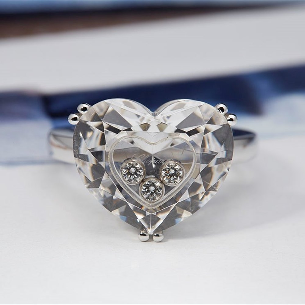 Chopard 18K White Gold So Happy Crystal Heart Floating Diamonds Chopard Ring