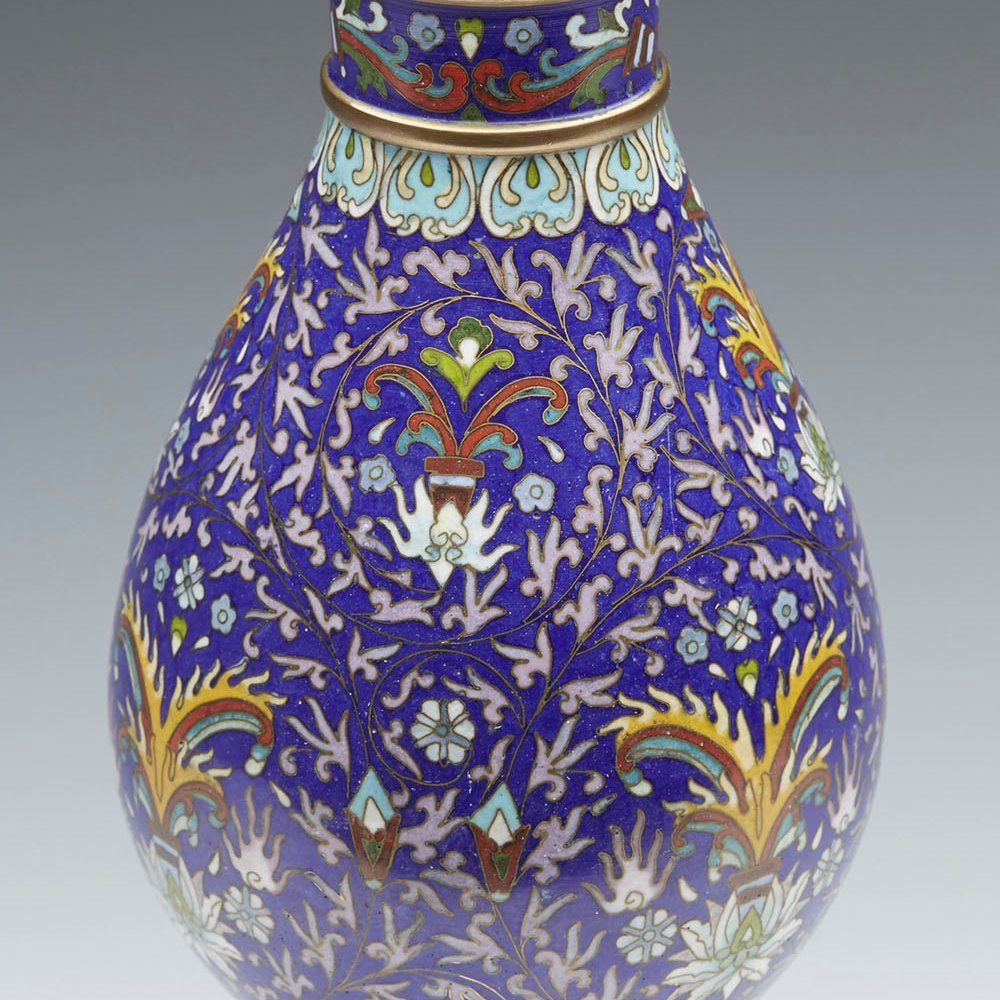 STYLISH VINTAGE CHINESE CLOISONNE VASE ON STAND 20TH C. 20th Century