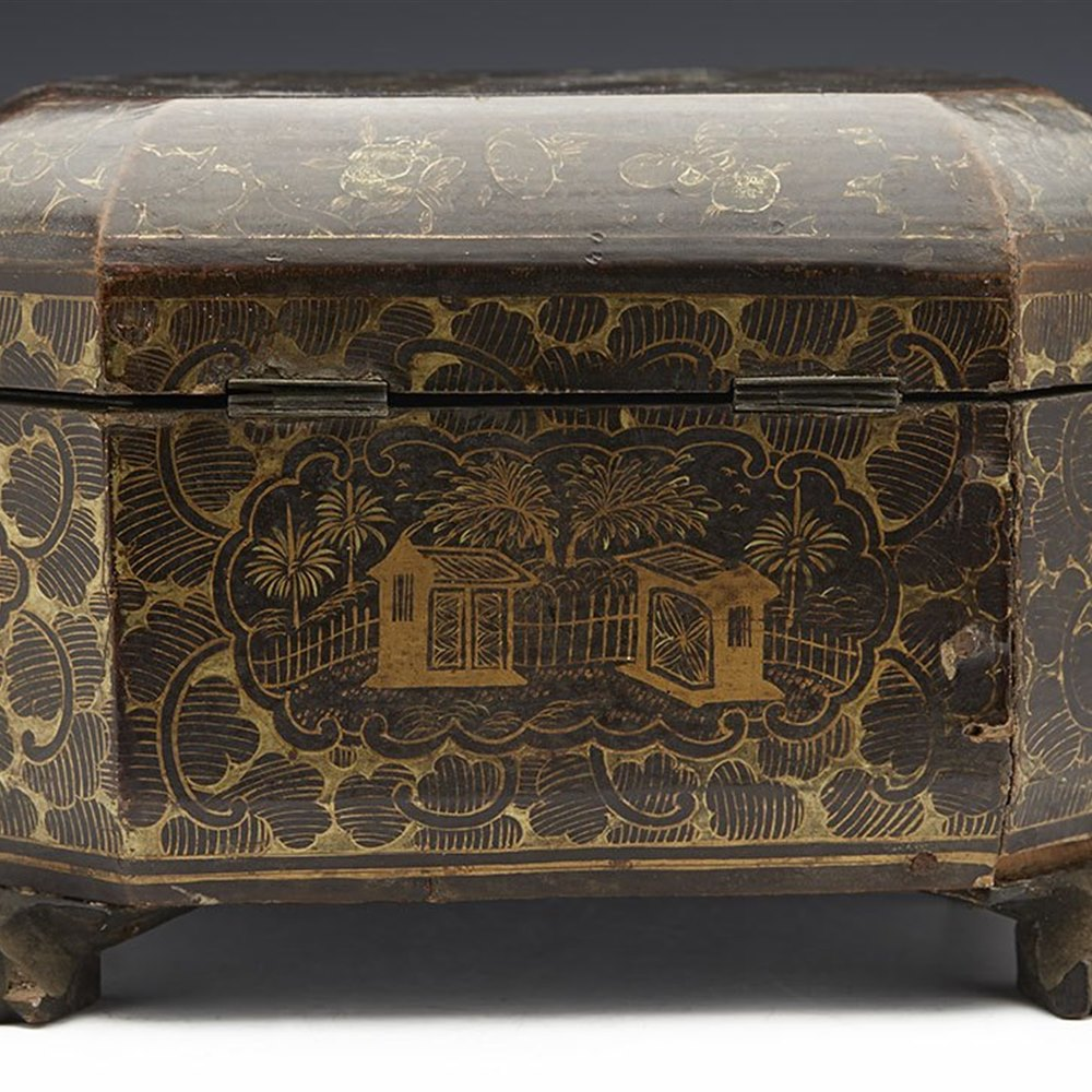 ANTIQUE CHINESE LACQUERED FIGURAL DESIGN TEA CADDY WITH LINERS 19TH C. 19th Century
