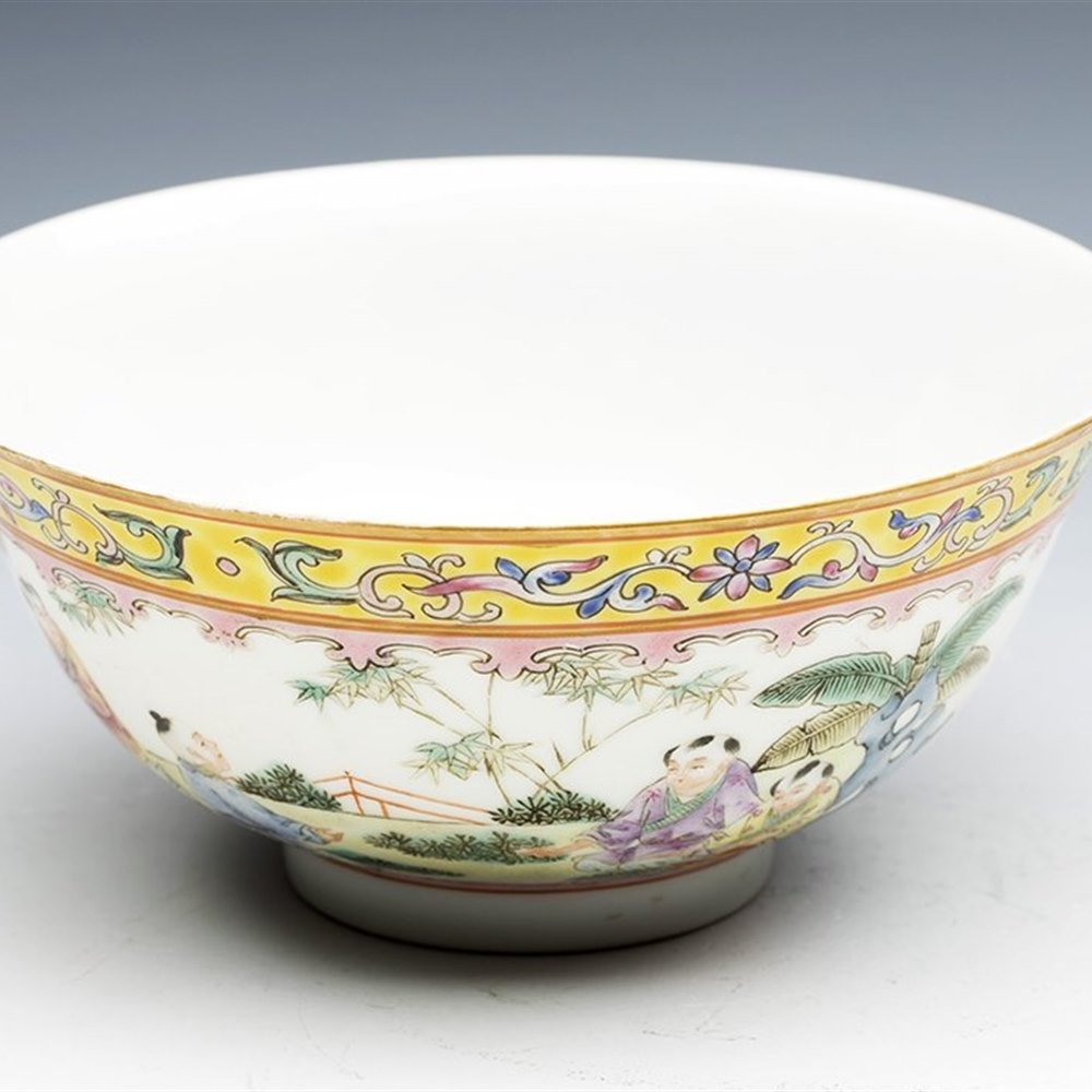 Exceptionally Painted Chinese Jiaqing Figural Painted Bowl Republic Period 19/20th C.