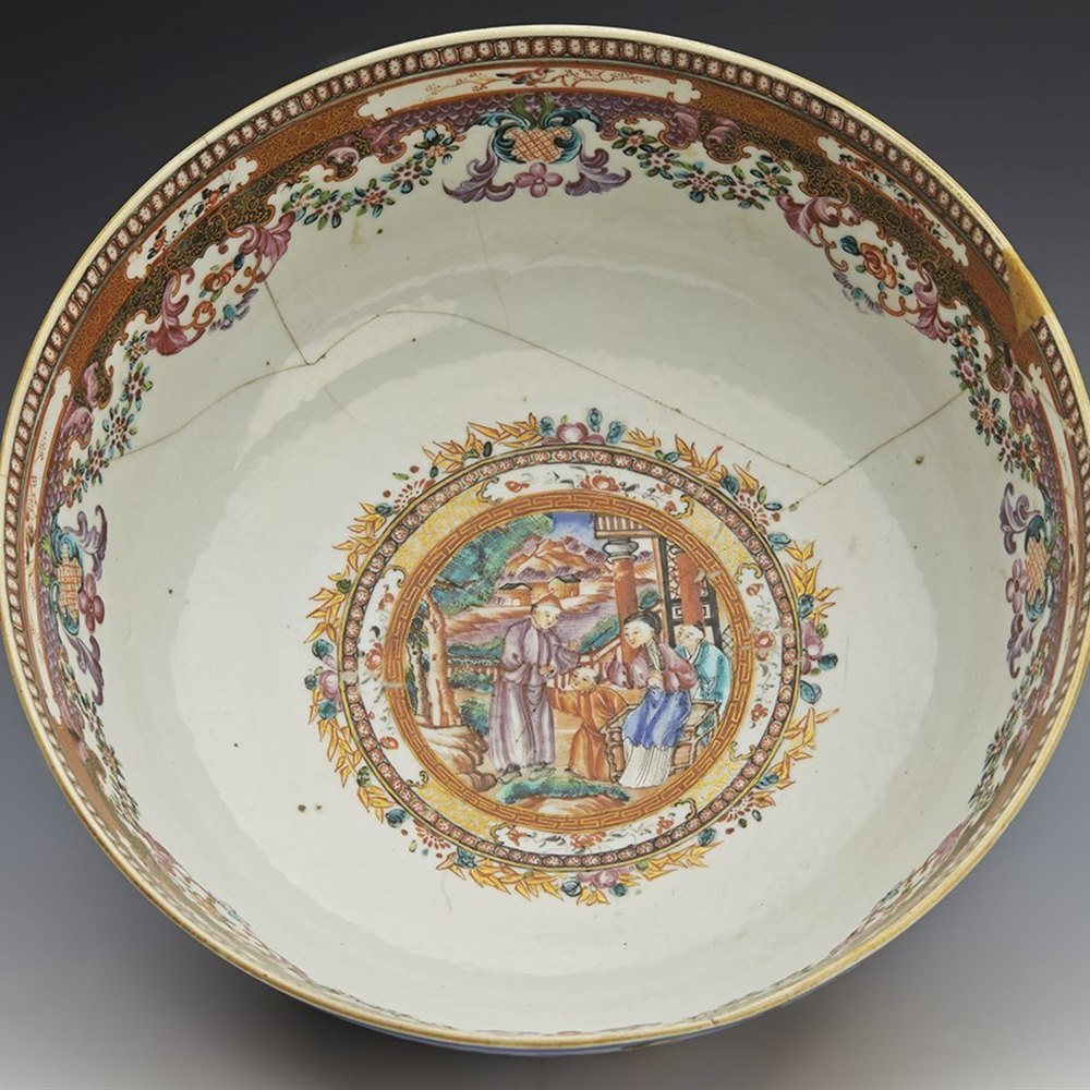 QIANLONG BOWL 18TH C. Qianlong dating from the 18th century