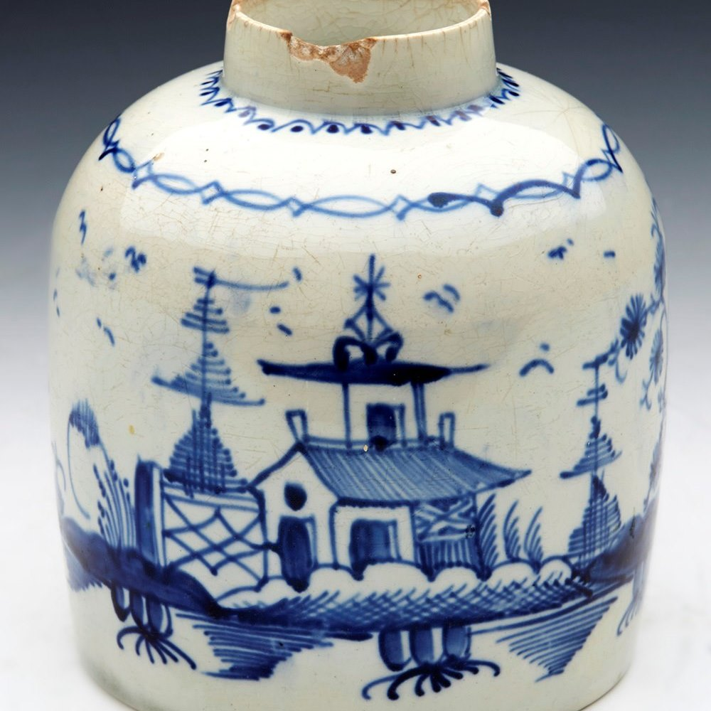 ANTIQUE ENGLISH PEARLWARE CHINOISERIE TEA CADDY 18TH C. Dates from the late 18th or very early 19th century
